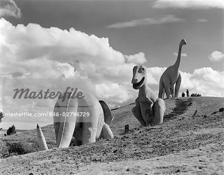 1950s DINOSAUR PARK SOUTH DAKOTA THREE DINOSAUR STATUES ON HILLSIDE Stock Photo - Rights-Managed, Image code: 846-02796729
