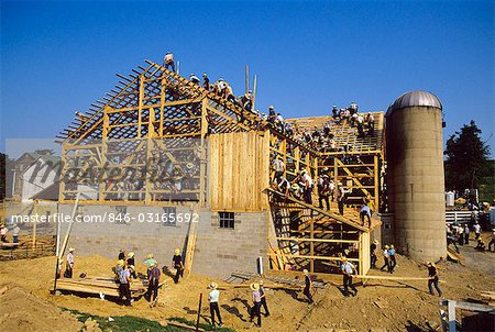 BUILDING A BARN AMISH COUNTRY PENNSYLVANIA Stock Photo - Rights-Managed, Image code: 846-03165692