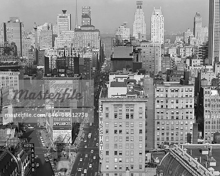 1950s NEW YORK CITY TIMES SQUARE LOOKING NORTH FROM ROOF OF HOTEL CLARIDGE NYC NY USA Stock Photo - Rights-Managed, Image code: 846-08512738