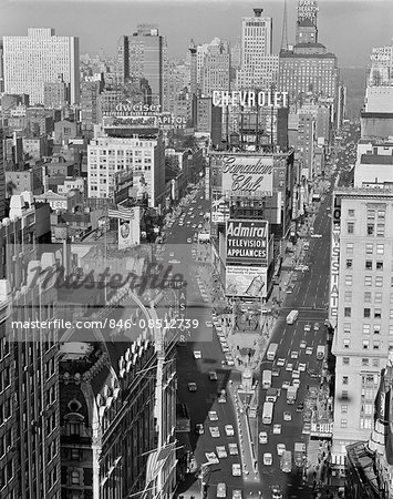 1950s ELEVATED VIEW NEW YORK CITY TIMES SQUARE TRAFFIC LOOKING NORTH TO DUFFY SQUARE NYC NY USA Stock Photo - Rights-Managed, Image code: 846-08512739