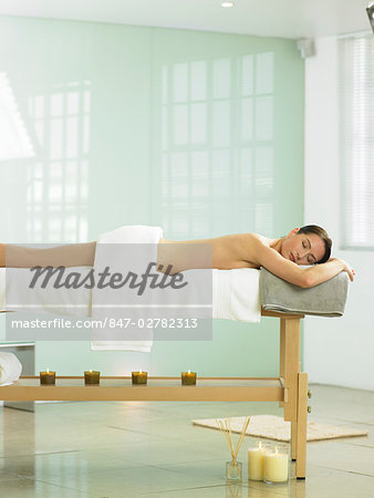 Cropped full length of woman on spa massage bed Stock Photo - Rights-Managed, Image code: 847-02782313