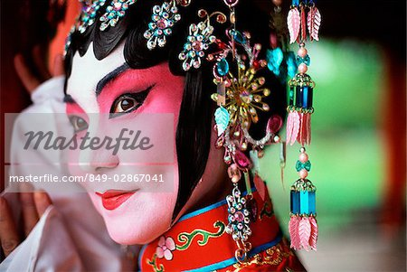 Singapore, Member of Beijing Opera. Stock Photo - Rights-Managed, Image code: 849-02867041