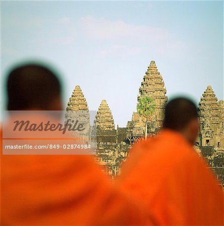 Cambodia, Sien Reap, Province, Angkor Wat, Buddhist monks in foreground Stock Photo - Rights-Managed, Image code: 849-02874984