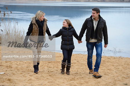 Parents with daughter, Upper Palatinate, Bavaria, Germany, Europe Stock Photo - Rights-Managed, Image code: 853-07148553