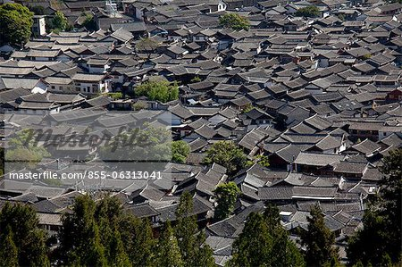 Residential rooftops at the ancient city of Lijiang, Yunnan Province, China Stock Photo - Rights-Managed, Image code: 855-06313041