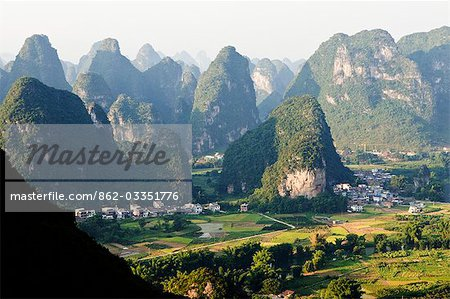 China,Guangxi Province,Yangshuo near Guilin. Karst limestone mountain scenery Stock Photo - Rights-Managed, Image code: 862-03351776