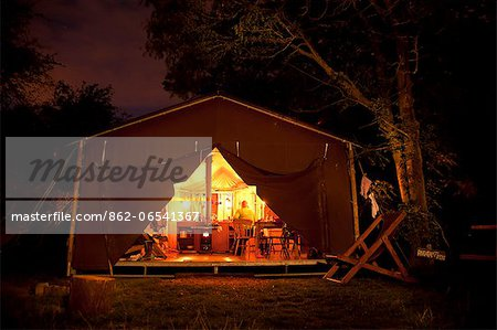 Bedfordshire, England. A summer summer evening whilst glamping. Stock Photo - Rights-Managed, Image code: 862-06541367