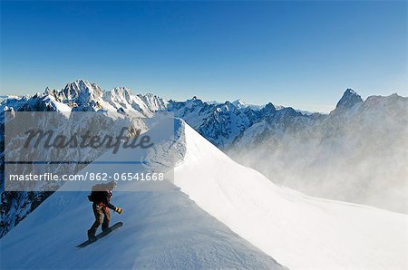 Europe, France, French Alps, Haute Savoie, Chamonix, Aiguille du Midi, snowboarder on the Vallee Blanche off piste run Stock Photo - Rights-Managed, Image code: 862-06541668