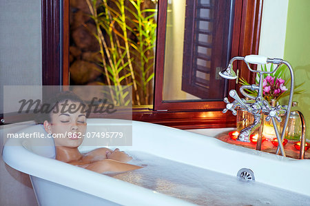 Central America, Belize, Mountain Pine Ridge, Hidden Valley, Secret falls. A beautiful young woman taking a foam bath at the Hidden Valley Inn (MR) (PR) Stock Photo - Rights-Managed, Image code: 862-07495779