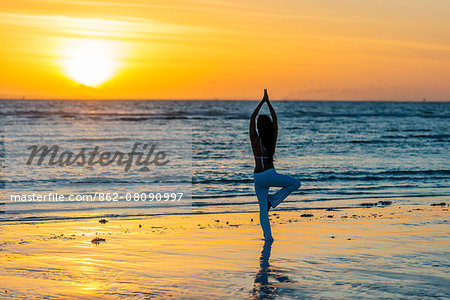 South East Asia, Philippines, The Visayas, Cebu, Bantayan Island, Sugar Beach, girl doing yoga (MR) Stock Photo - Rights-Managed, Image code: 862-08090997