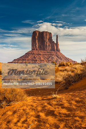 West Mitten Butte, Monument Valley Navajo Tribal Park, Arizona, USA Stock Photo - Rights-Managed, Image code: 862-08091455