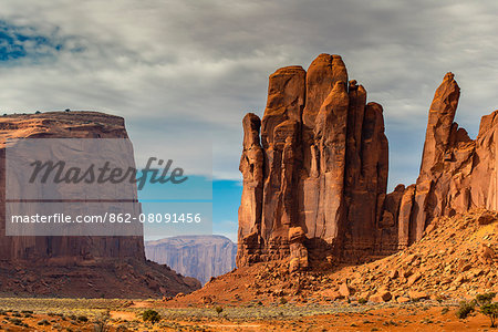 Scenic desert landscape, Monument Valley Navajo Tribal Park, Arizona, USA Stock Photo - Rights-Managed, Image code: 862-08091456
