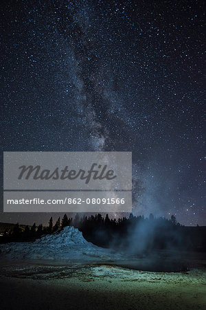USA, Wyoming, Rockies, Rocky Mountains, Yellowstone, National Park, UNESCO, World Heritage, Castle geyser, upper geyser basin at night Stock Photo - Rights-Managed, Image code: 862-08091566