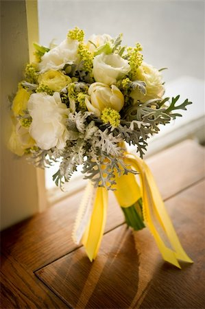 Image of a beautiful floral bouquet on wood table Stock Photo - Budget Royalty-Free & Subscription, Code: 400-04170370
