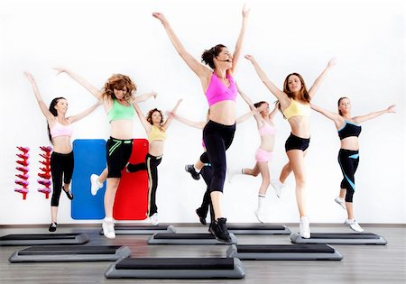 group of women doing aerobics on stepper in gym Stock Photo - Budget Royalty-Free & Subscription, Code: 400-04220715