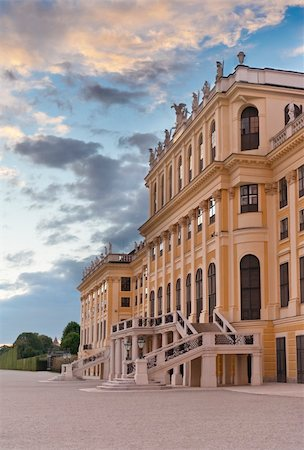 Schonbrunn Palace main entrance,  Vienna, Austria Stock Photo - Budget Royalty-Free & Subscription, Code: 400-04265405
