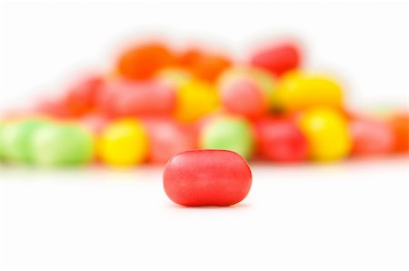 simsearch:400-04344039,k - Various jelly beans isolated on the white background Stock Photo - Budget Royalty-Free & Subscription, Code: 400-04288929