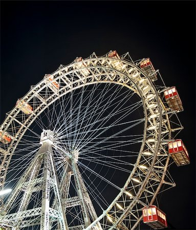 dpruter - Wiener Riesenrad in Prater - oldest and biggest ferris wheel in Austria. Symbol of Vienna city at night Stock Photo - Budget Royalty-Free & Subscription, Code: 400-04326477