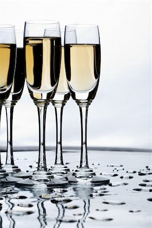 simsearch:400-05749231,k - Vertical image of flutes of champagne with water drops Stock Photo - Budget Royalty-Free & Subscription, Code: 400-04363824