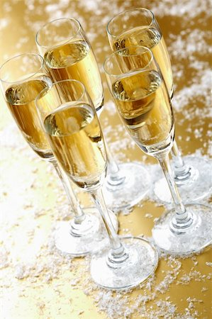 simsearch:400-05749231,k - Group of five flutes of champagne on festive table Stock Photo - Budget Royalty-Free & Subscription, Code: 400-04363821