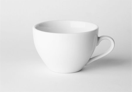 tea cup on white background Stock Photo - Budget Royalty-Free & Subscription, Code: 400-04391623