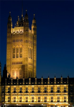 The Houses of Parliament and Big Ben in London at night. Stock Photo - Budget Royalty-Free & Subscription, Code: 400-04433437