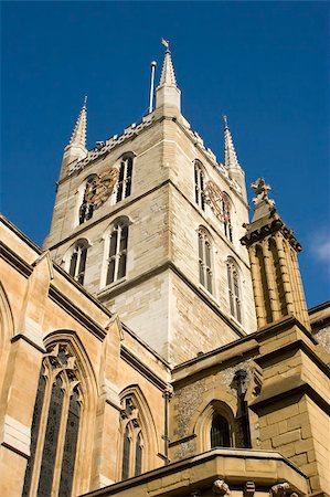 A view of Southwark Cathedral from Borough Market in London Stock Photo - Budget Royalty-Free & Subscription, Code: 400-04433439