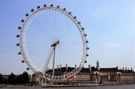 The London Eye Ferris wheel on the River Thames, London. Stock Photo - Budget Royalty-Free & Subscription, Code: 400-04433431