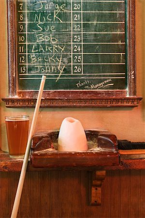 queue club - Chalkboard queue for people waiting to play billiards in nightclub with chalk and pool stick. Stock Photo - Budget Royalty-Free & Subscription, Code: 400-04445441