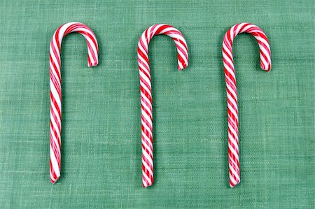 simsearch:400-04344039,k - Peppermint candy canes for Christmas Stock Photo - Budget Royalty-Free & Subscription, Code: 400-04441379