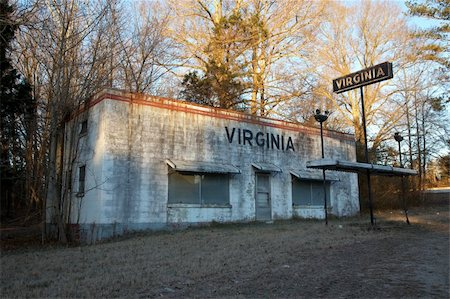 rural gas station - Located along the Virginia and North Carolina state line this once busy gas station sits abandoned with a plain but descriptive name. Stock Photo - Budget Royalty-Free & Subscription, Code: 400-04554100