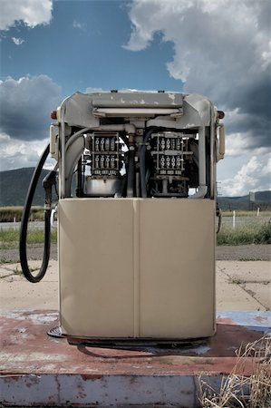 rural gas station - An old petrol pump in need of repair Stock Photo - Budget Royalty-Free & Subscription, Code: 400-04552246