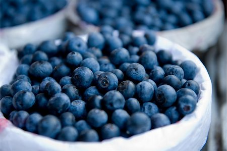 A close- up image of blueberries in a basket Stock Photo - Budget Royalty-Free & Subscription, Code: 400-04573594