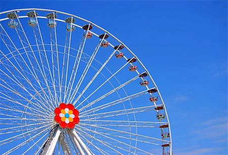 dpruter - The big wheel from Prater, Viena Stock Photo - Budget Royalty-Free & Subscription, Code: 400-04725513