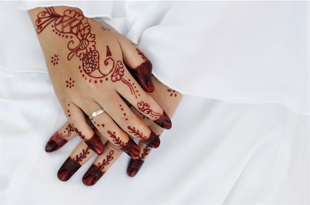 Malay bride and the henna artwork on her hands Stock Photo - Budget Royalty-Free & Subscription, Code: 400-04901798