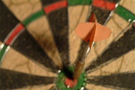 one dart aim with arrow in the middle Stock Photo - Budget Royalty-Free & Subscription, Code: 400-04937948