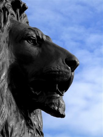 roar lion head picture - Big and dangerous African lion statue look Stock Photo - Budget Royalty-Free & Subscription, Code: 400-04945042