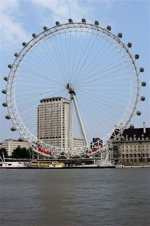 The London Eye Ferris wheel on the River Thames, London. Stock Photo - Budget Royalty-Free & Subscription, Code: 400-04942026