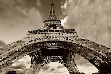 Eiffel Tower in black and white, Paris (France) Stock Photo - Budget Royalty-Free & Subscription, Code: 400-04987736