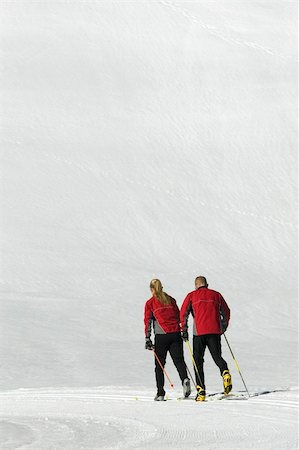 A young couple cross-country skiing. Stock Photo - Budget Royalty-Free & Subscription, Code: 400-05024825