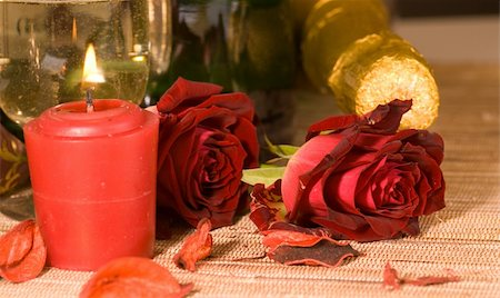 scarlet sweetheart rose and champagne Stock Photo - Budget Royalty-Free & Subscription, Code: 400-05028128