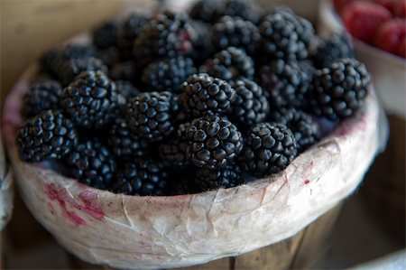 An image of fresh juicy blackberries Stock Photo - Budget Royalty-Free & Subscription, Code: 400-05079849