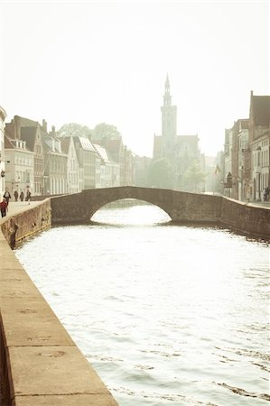 puentes - Channel's of Brugge Stock Photo - Budget Royalty-Free & Subscription, Code: 400-05350282