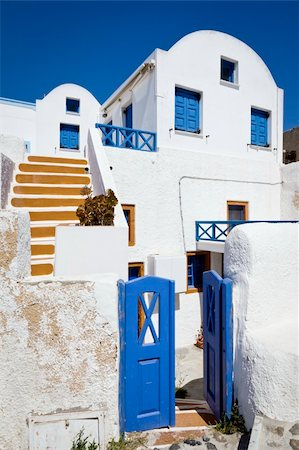 A white house under a deep blue sky Santorini Stock Photo - Budget Royalty-Free & Subscription, Code: 400-05377001