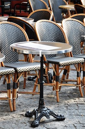 Traditional cafe terrace in Paris, France Stock Photo - Budget Royalty-Free & Subscription, Code: 400-05669286