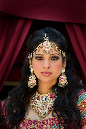 Head and shoulder portrait of a beautiful Indian bride Stock Photo - Budget Royalty-Free & Subscription, Code: 400-05697306