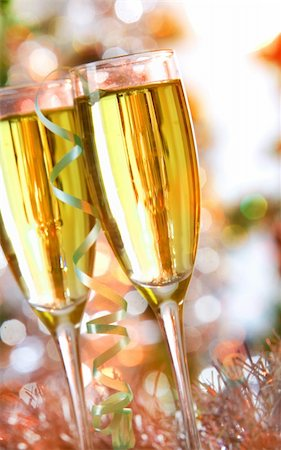 simsearch:400-05749231,k - Two champagne flutes on Christmas background Stock Photo - Budget Royalty-Free & Subscription, Code: 400-05705287