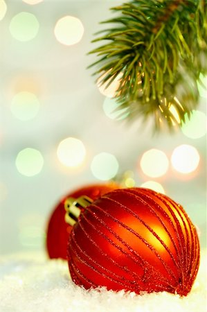 simsearch:400-05749231,k - Red Christmas bauble against glaring background Stock Photo - Budget Royalty-Free & Subscription, Code: 400-05708187