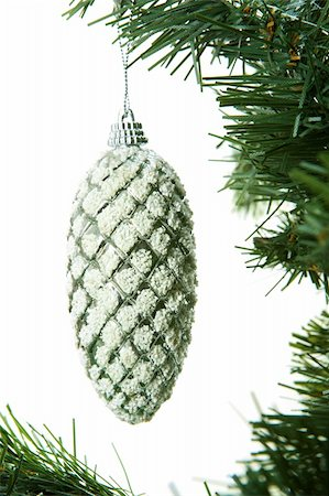 simsearch:400-05749231,k - Christmas cone on coniferous branch against white background Stock Photo - Budget Royalty-Free & Subscription, Code: 400-05715989