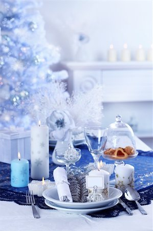 Place setting for Christmas in blue and white tone Stock Photo - Budget Royalty-Free & Subscription, Code: 400-05744125